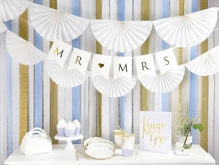 Hvit pynt og dekor til bryllup