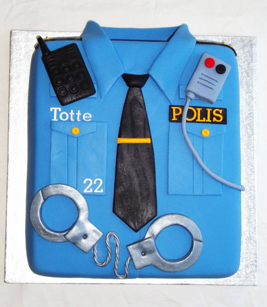 696728bjOW_police-shirt-birthday-cake_900